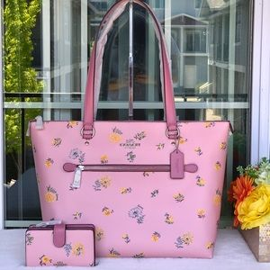 🌺NEW COACH LG GALLERY TOTE SET